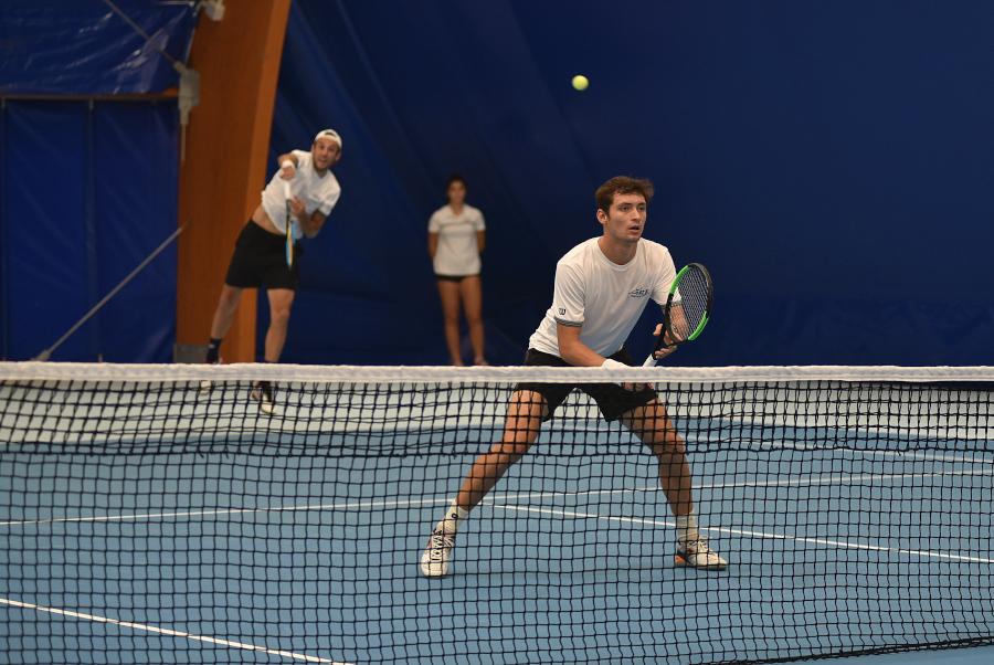 Da lunedì si potrà giocare anche in doppio, a padel e beach tennis